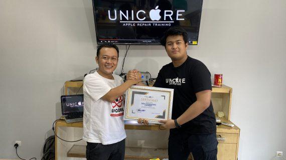 Bayu Pamungkas peserta kursus service iPhone dari Batam
